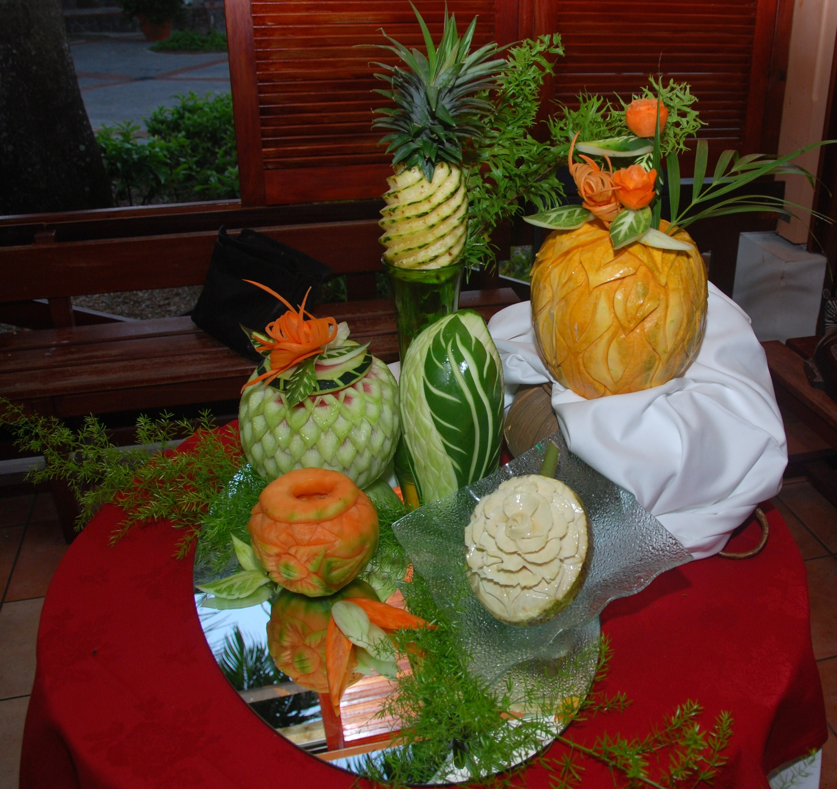 Decoration fruit ananas - Decoration legumes pour buffet ...